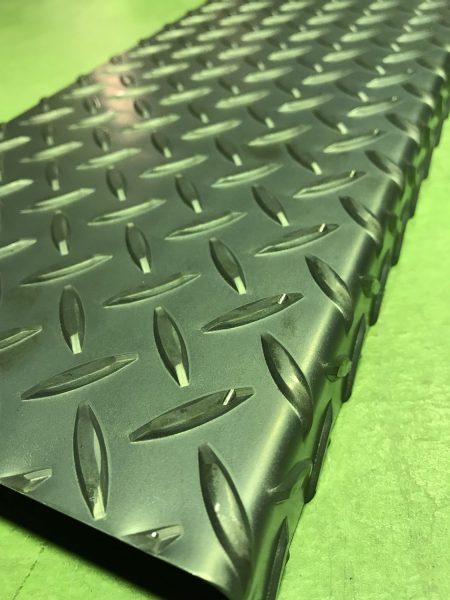 縞鋼板加工